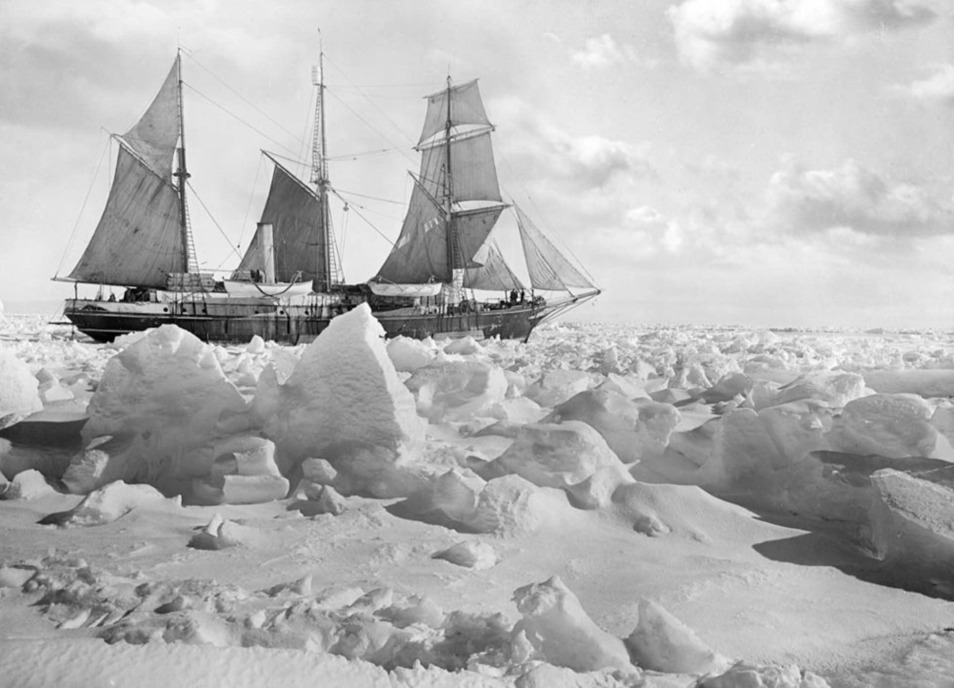 shackletons lost ship endurance - 943×700